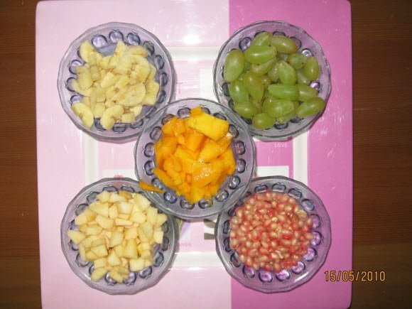 Fresh fruits for Custard