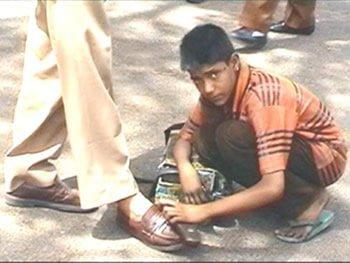 Shoe shining Kid