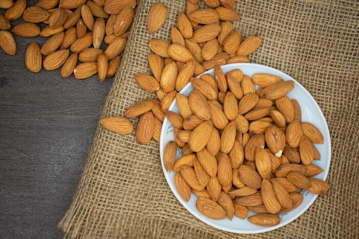 Why you should eat Almond every day